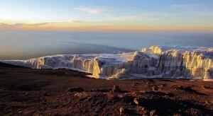 viajar-a-Tanzania-a-hacer-trekking-por-el-monte-Kilimanjaro