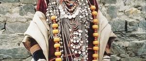 mujer-hindu-con-traje-regional