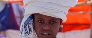 Niño en el mercado de Telas en Bahar Dar.