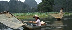 pescadores-en-los-canales-del-delta-del-mekon-viajes-etnias