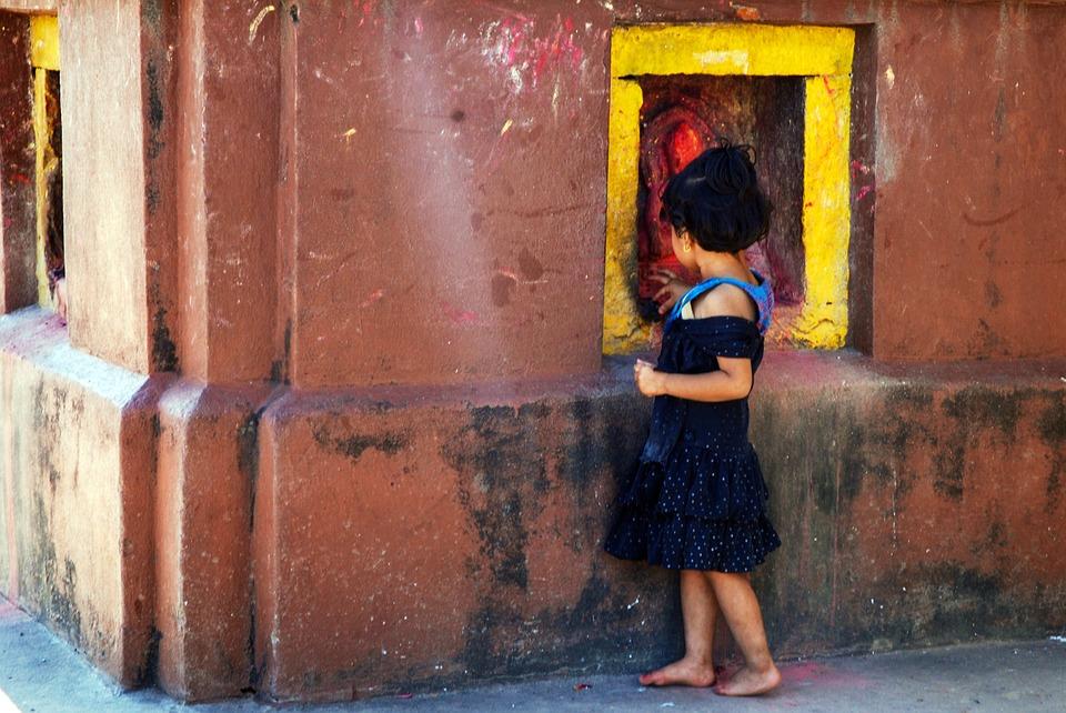 nina-nepal-tradiciones-sudeste-asiatico
