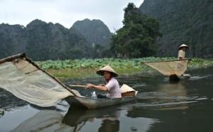 pescadores-en-los-canales-del-delta-del-mekon--viajes-etnias