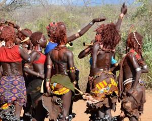 Fotografía de uno de los grupos étnicos del sur de Etiopía