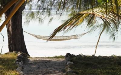 Hamaca en playa de Tanzania